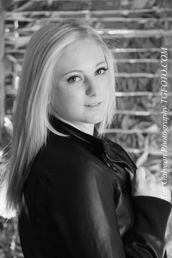 Kansas City senior black & white senior pictures portraits Overland Park