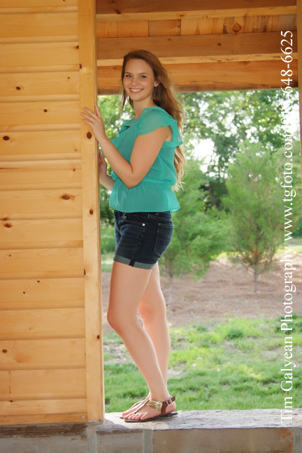 Blue valley outdoor senior pictures
