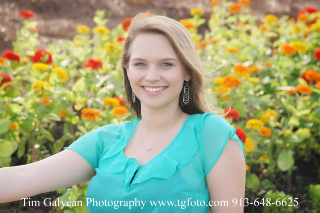 Blue valley outdoor senior pictures Overland Park Arboretum