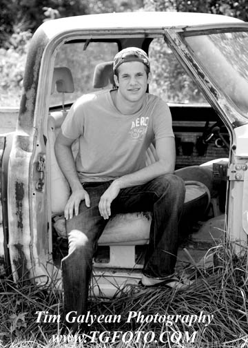 Shawnee Mission South Senior Pictures portraits black and white Overland Park truck car bw high school
