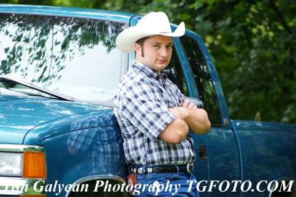 cowboy hat, pick up truck, senior pictures, that are affordable in Kansas City mo, kansas ks, springhill Louisburg, Bonner Springs, Raymore, Overland Park, Gardner, Olathe Shawnee Mission,